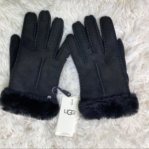 NWT UGG Single Point Sheepskin Gloves Black Small